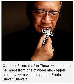 Lễ Giỗ lần thứ 13 của Đức Hồng y Tôi tớ Chúa Phanxicô Xaviê Nguyễn Văn Thuận, tại Nhà thờ Chánh Toà Nha Trang, vào lúc 5g chiều, thứ Tư, ngày 16.9.2015.